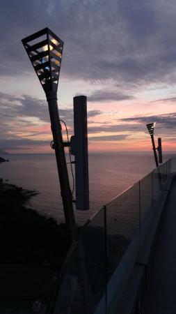 Garza Blanca Preserve, Resort & Spa: Hotel Mousai at dusk