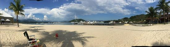 Angra dos Reis possui as praias mais lindas, claras e com temperatura super agradável do estado