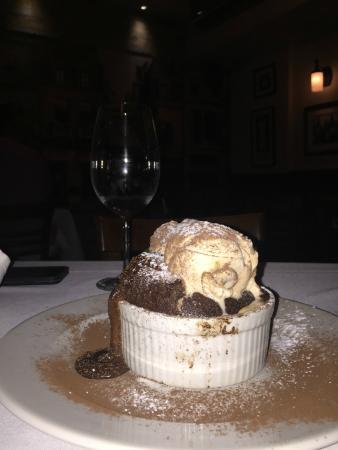 Acentos Bistro: Chocolate fondant