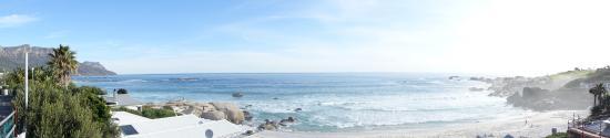 Camps Bay Retreat: Camps bay beach