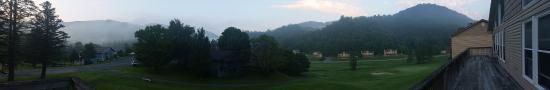 Vilas, Carolina del Norte: Morning view from the shared deck