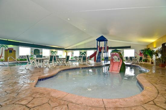 BEST WESTERN PLUS Sparta Trail Lodge: Pool area