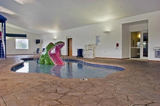 Best Western Plus Sparta Trail Lodge: Pool