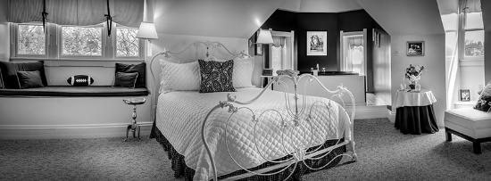 Reynolds Mansion Bed and Breakfast: Nittany Blue Room