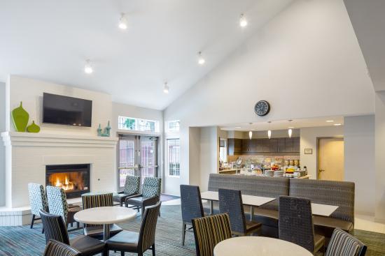 Residence Inn Portland Hillsboro: Dining Area