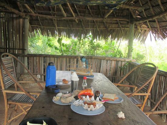 Wasini Island, Kenya: столовая на верхнем ярусе дома