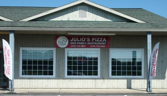 Julio's Pizza & Family Restaurant