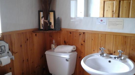 Glasson Stone Lodge: bathroom