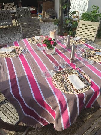 Les Chambres du Confiturier de Malethi : Evening meal