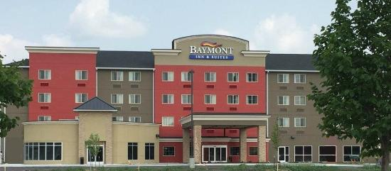 Baymont Inn & Suites Grand Forks