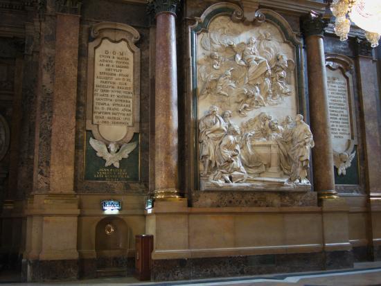 Basilica de Nuestra Senora del Pilar: interior - Picture of Basilica de Nuest...