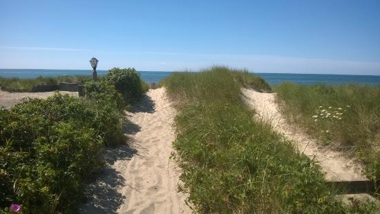 South Chatham, MA: Path to the beach.