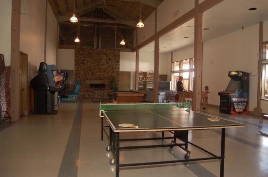 Mt Hood Village RV Resort: Billiards/Game Room