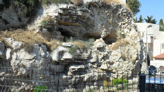 skull place picture  garden tomb jerusalem
