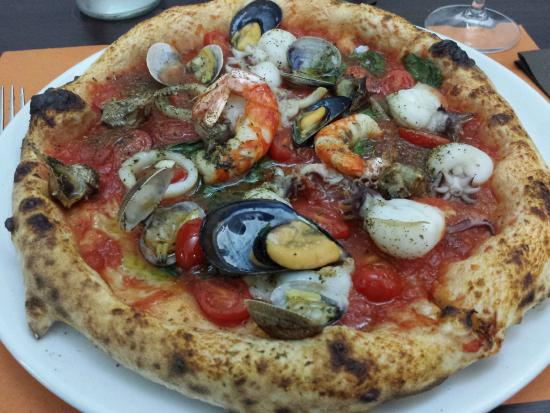 Gennaro Esposito: pizza gennaro