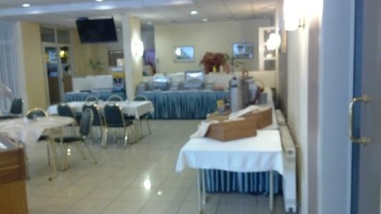 Bara Junior Hotel: Ресторан отеля
