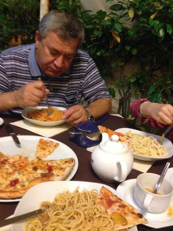 Pizzeria Manzoni: обед первое спагетти в трех вариантах