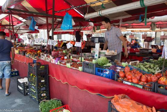Mercato picture of mercato di porta palazzo turin - Mercato coperto porta palazzo orari ...