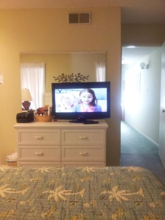 Heron Pointe: master bedroom