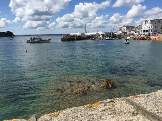 A wonderful spot overlooking the harbour at St Mawes.