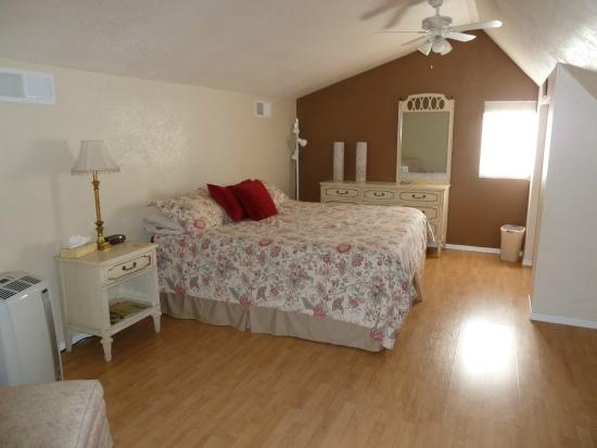 Desert Rose Bed and Breakfast: Bedroom