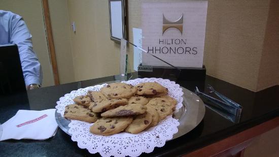 hilton garden inn las colinas welcoming cookies - Hilton Garden Inn Las Colinas