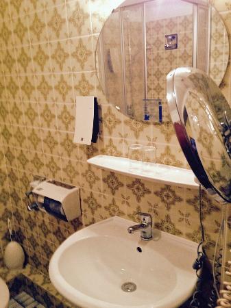 Bath 1 Bild Von Flair Hotel Zur Eiche Buchholz In Der