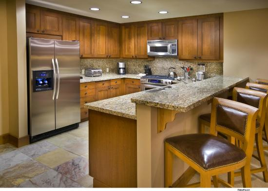 Iron Horse - Tahoe Mountain Lodging: One to four-bedroom residence include a full kitchen