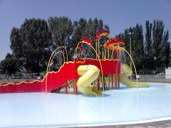 Valencia de don juan piscina de olas el fresno for Piscinas leon valencia don juan