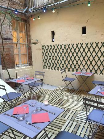 La Popote : la cour intérieure (terrasse)