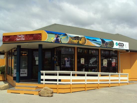 Motueka i-SITE Visitor Information for the Abel Tasman region and DOC ticketing