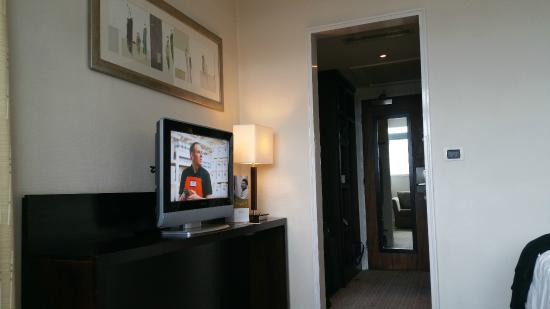 Mercure Manchester Piccadilly Hotel: television