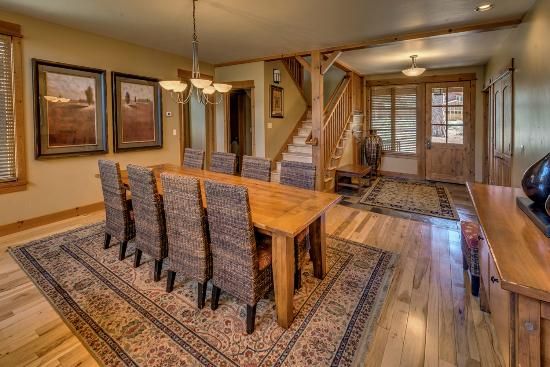 Old Greenwood Resort - Tahoe Mountain Lodging: Dining area at Old Greenwood