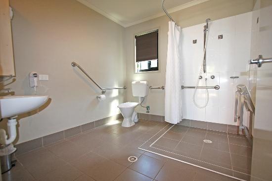 Burleigh Beach Tourist Park: Burleigh Beach two bedroom accessible villa