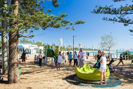 Burleigh Beach Tourist Park: Burleigh Beach beachfront play area opposite tourist park