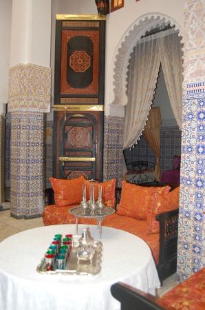 Dar Hlimi : salon marocan