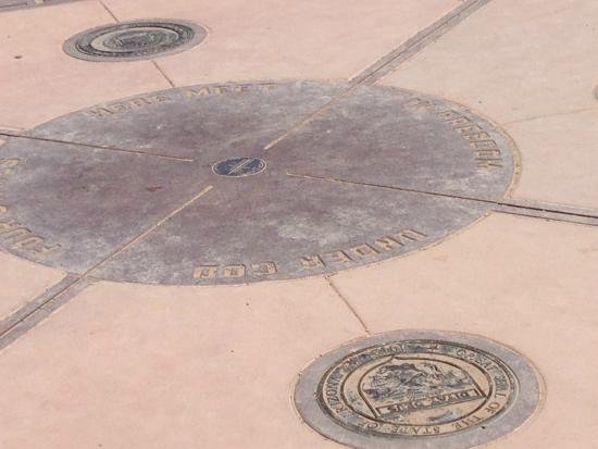 this is the actual 4 corners picture of four corners monument teec nos pos tripadvisor. Black Bedroom Furniture Sets. Home Design Ideas