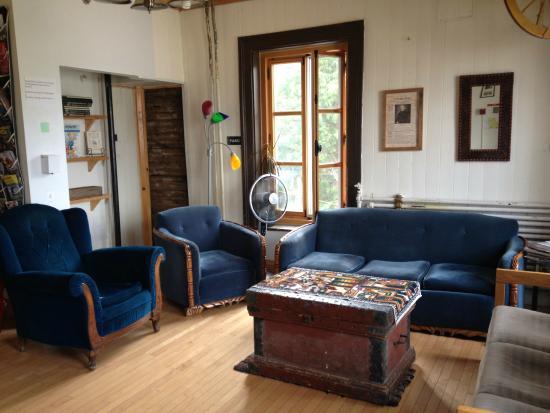 Le salon des voyageurs photo de auberge jeunesse de for Auberge de jeunesse la maison price