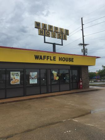 ... Red Roof Inn   Chattanooga Airport · Waffle House 7018 Shallowford