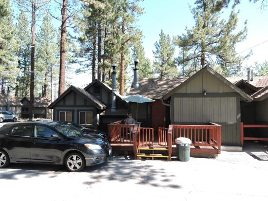 bedroom private fireplace rental large lake toasty and with cabins pool cabin living furnishing table new area hot sleeps big bear plump tub