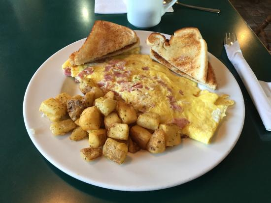 Smooth Rock Falls, Canadá: 3-Egg Ham & Cheese Omelet - Smoothy's Restaurant, SRF