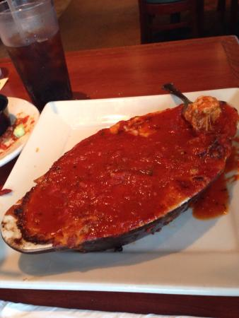 Mamma Mia's Restaurant: Chicken Parmesan and lasagna with sliced meatballs