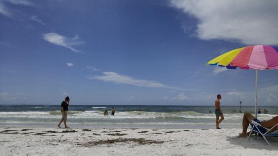 East Shore Resort : Clearwater Beach is beautiful!