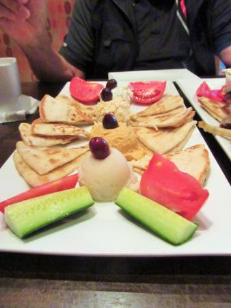 GreekTown Grille: we had 3 spreads with our pita bread and  it was very good