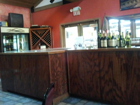 Blue Mountain Vineyards: There is nothing classy about this tasting area