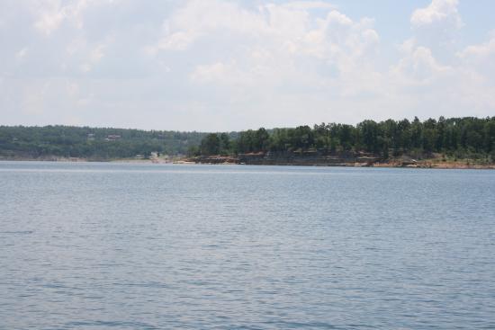 Bull Shoals Lake Resort : Lake