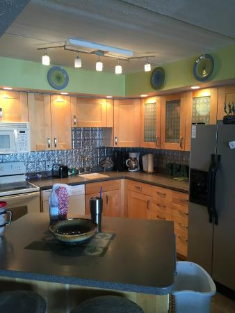 Gulf Shores Condominiums: Kitchen
