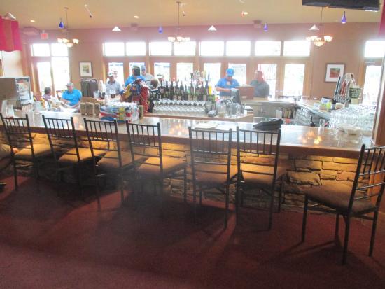 Stonebrooke Golf Club: View with the sun shining in on the club house bar