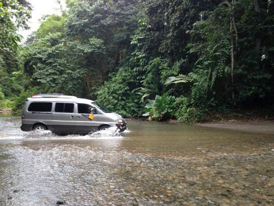 อาลาฮัวลา, คอสตาริกา: There were not many places these vans cannot go