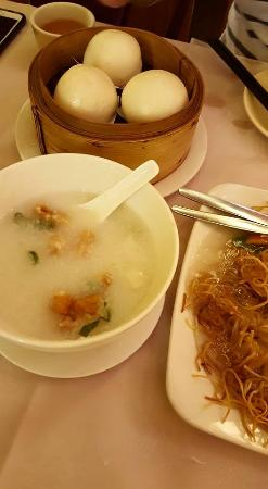 Harbour City : Congee, sweet steamed buns & noodles